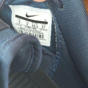 Nike Shoes - Nike roshe ones